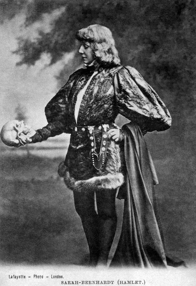 Sarah-Bernhardt-c.-1900.-Fotografía-James-Lafayette-DP