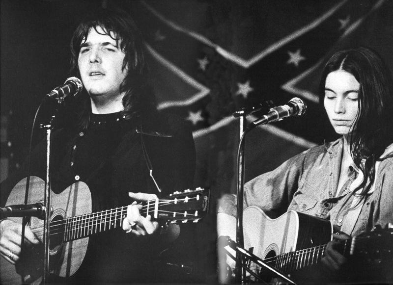 Gram Parsons y Emmylou Harris. Imagen cortesía de emmylou.net.