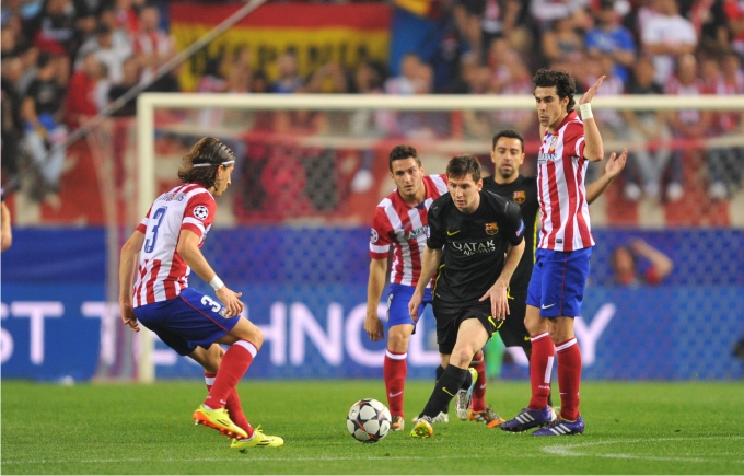 Enfrentamiento del Atlético de Madrid y el FC Barcelona en la Champions League 2013-2014. Foto: Cordon Press.