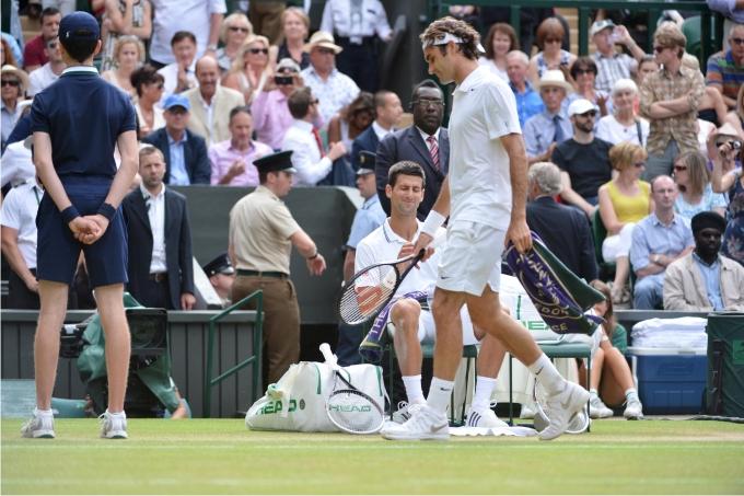 Federer y Djokovic en el último Wimbledon. Foto: Cordon Press.