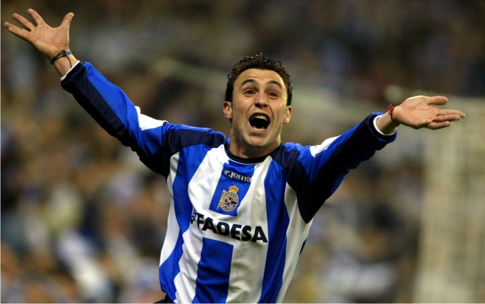 Sergio celebra el gol del Dépor frente al Real Madrid en la final de Copa del Rey de 2002. Foto: Cordon Press.
