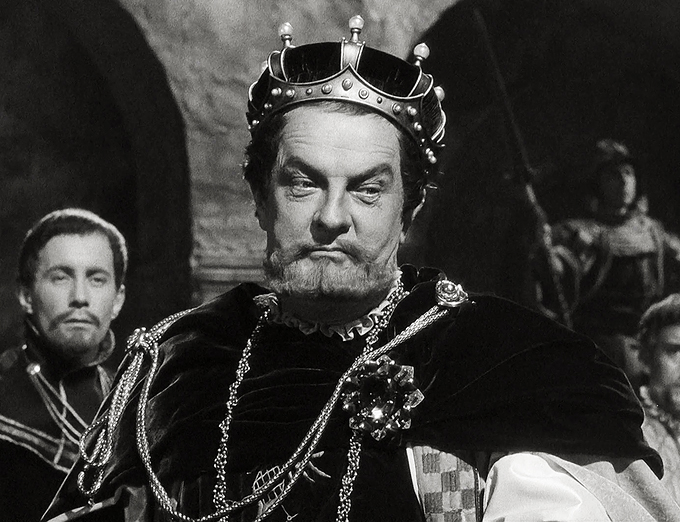 Basil Sydney como Claudius en Hamlet de 1948 (Two Cities Films)