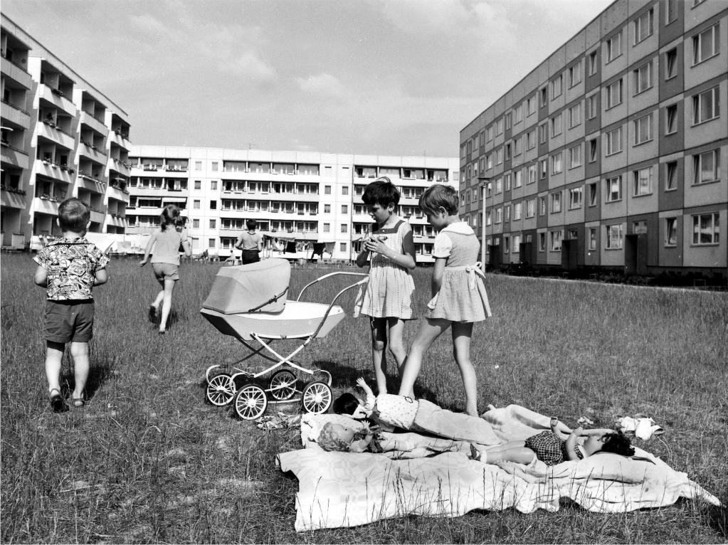 Spielplatz Erfurt 1982.