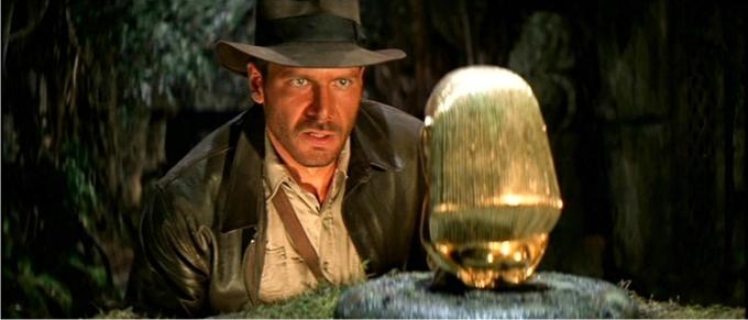 Jones, honesto saqueador de tumbas que considera que eso debería estar en un museo. En busca del arca perdida (1981) Imagen: Paramount Pictures.