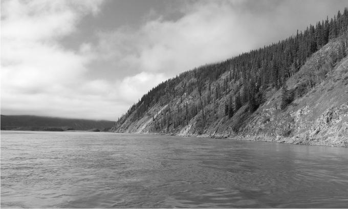 El Yukón en Dawson City. Foto: Diego Rasskin.