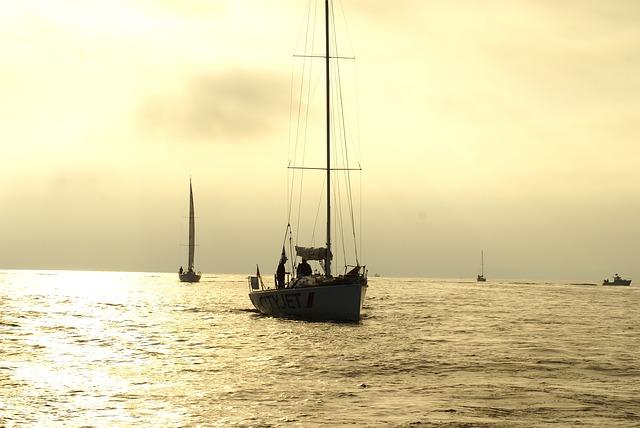 sailboat-323164_640