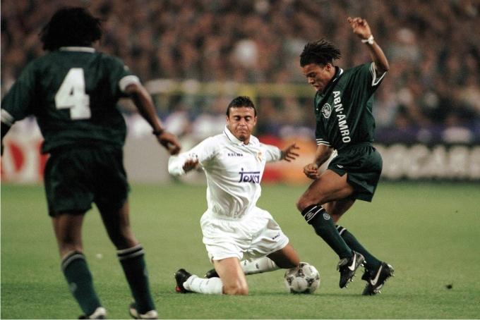 Luis Enrique en un partido contra en Ajax, en la Champions League 1995-96. Foto: Cordon Press.