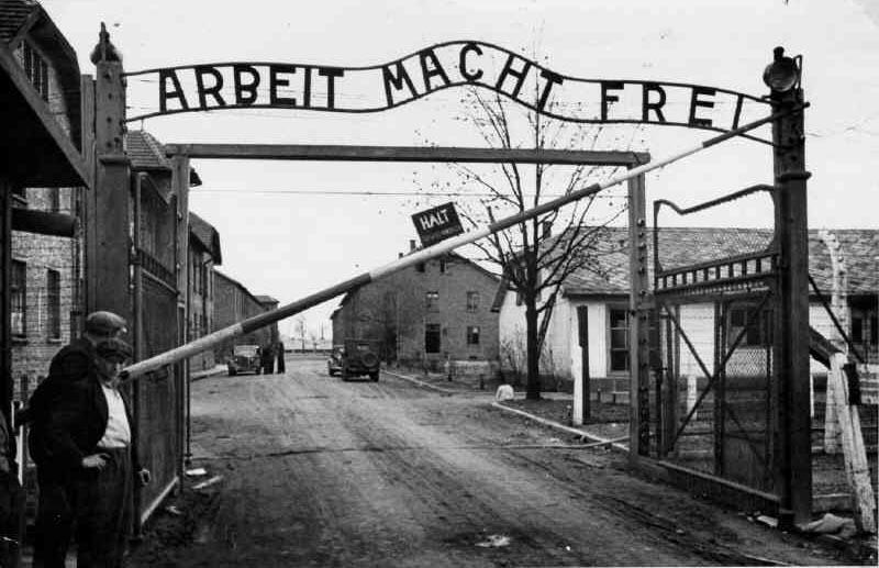 Portón de entrada a Auschwitz-Birkenau. Foto: DP.