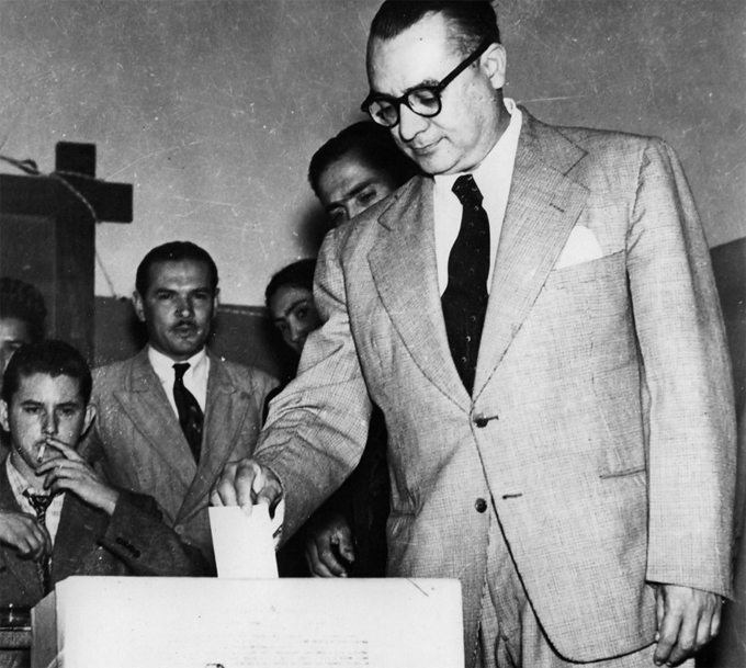 Rómulo Betancourt 1946
