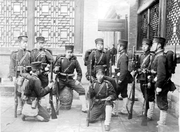 Tropas japonesas durante el levantamiento de los bóxers (DP)
