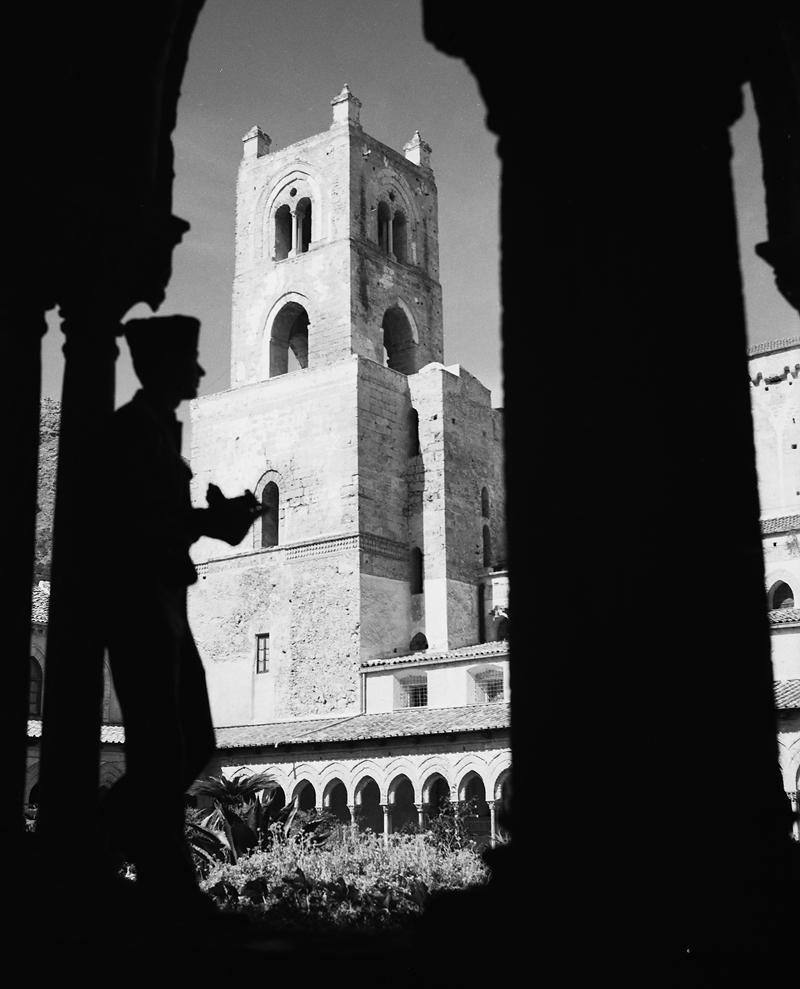 El claustro del Duomo de Monreale Sicilia 1943 Nick Parrino Library of Congress DP 2