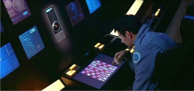 HAL9000 jugando contra el astronauta Frank Pool en 2001. Imagen: