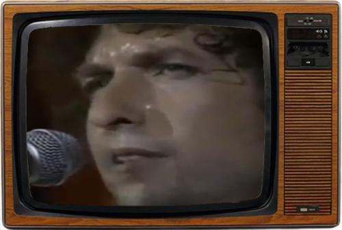 Circunstancias varias convirtieron la actuación de Bob Dylan en un fiasco (foto: NBC)