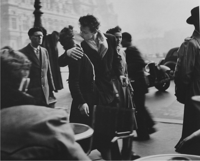 Le baiser de l'hôtel de ville, de Robert Doisneau. Cortesía de Life.