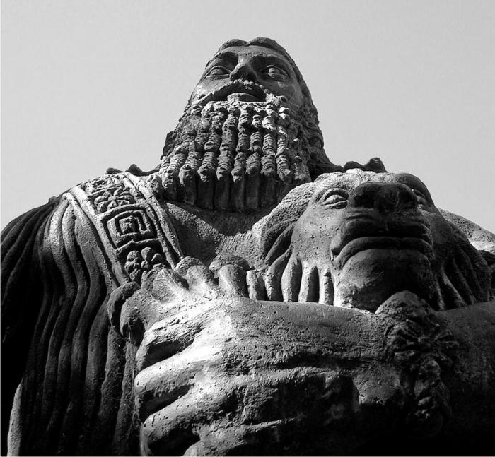 Estatua de Gilgamesh. Foto: Samantha (CC)