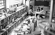 Librerías con encanto: una conversación con los libreros de Muga (Vallecas)