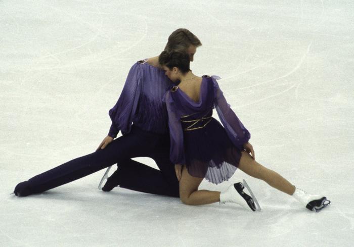 Christopher Dean y Jayne Torvill durante la que muchos consideran la mejor danza sobre hielo jamás realizada y que mereció la puntuación perfecta por parte de todos los jueces (foto: Corbis).
