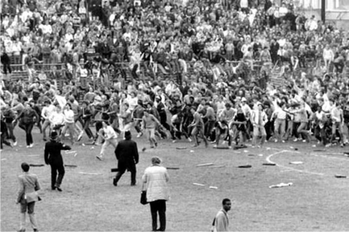 Una estampa habitual en la época. Birmingham City - Leeds en 1985. Foto: Cortesía del Birmingham Mail.
