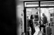 Librerías con encanto: una conversación con los libreros de Enclave Libros y dos poetas