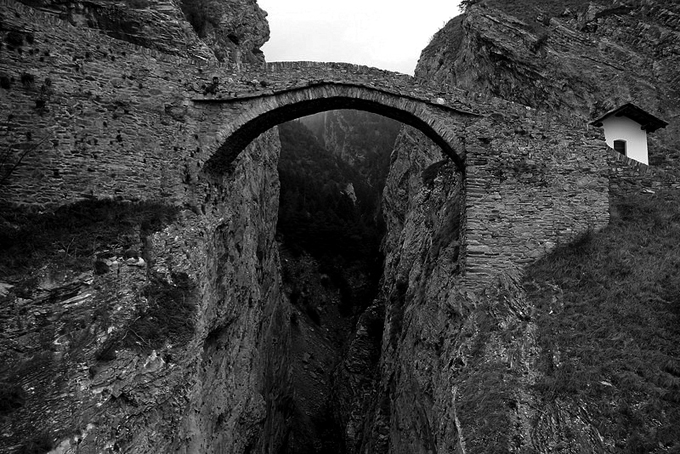 Puente del diablo en Leuk (Suiza). Fotografía: Björn S... (CC)