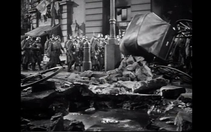 Como dicen los americanos: where do you stand? Lubitsch, con las ruinas y las víctimas.