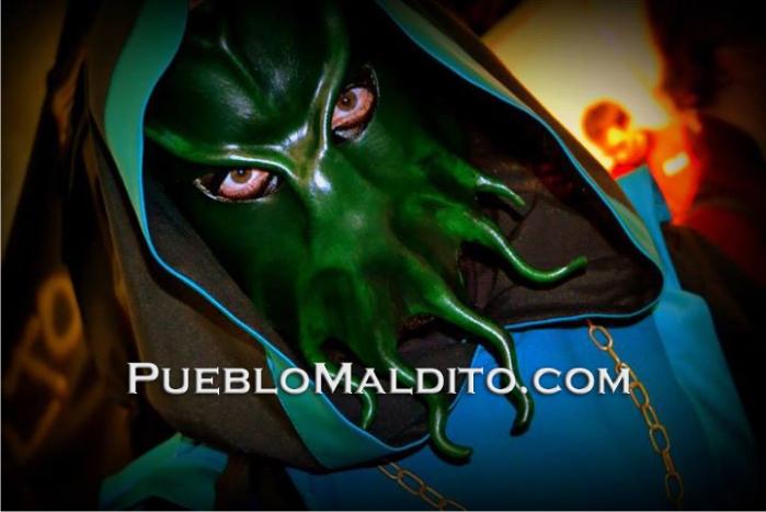 Fotografía de uno de los cultistas de la secta en Pueblo Maldito.