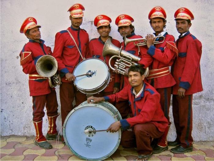 Los Old City Bandits, banda nupcial que «ofrece» sus servicios en Hyderabad. Fotografía: Meena Kadri (CC)
