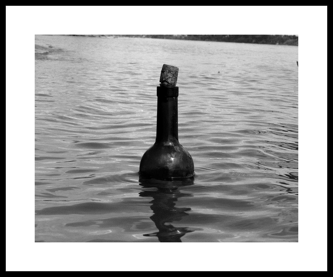 Message in a bottle. Fotografía: Serguio Aguirre. (CC)