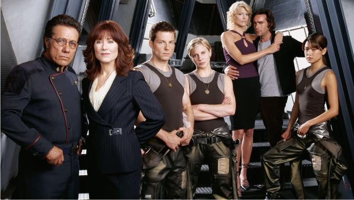 Los protagonistas de Battlestar Galactica (reimaginada). Imagen: ABC.