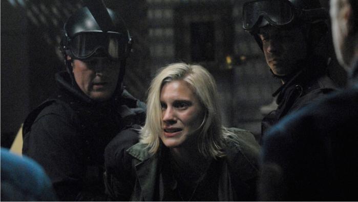 La piloto Sara Thrace (Starbuck) está predestinadaq: se ve obligada a abandonar su rebeldía por una intervención divina. Imagen: ABC.