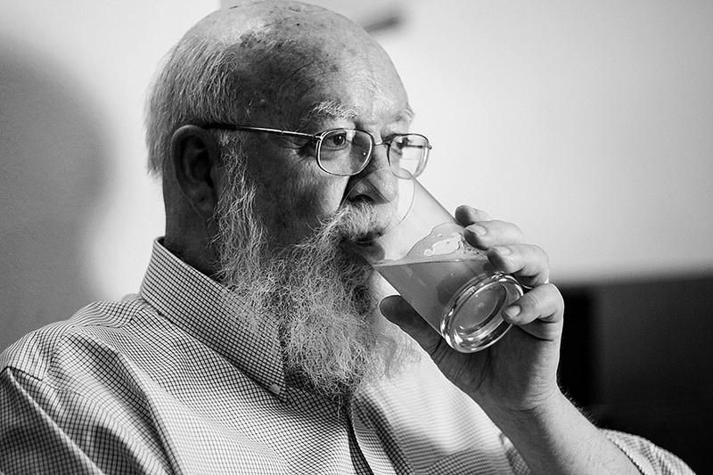 Daniel Dennett para jot down 1