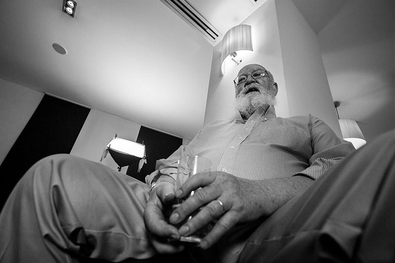 Daniel Dennett para jot down 2