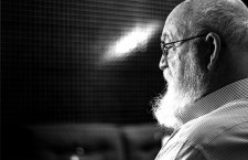 Daniel Dennett: «Es complicado para los filósofos creyentes ser respetados por los filósofos ateos»