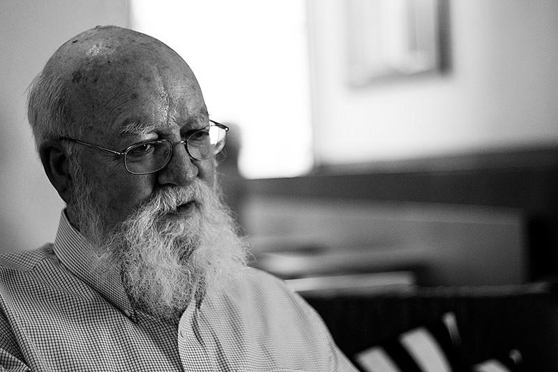 Daniel Dennett para jot down 3