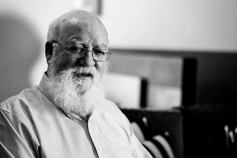 Daniel Dennett para jot down 4