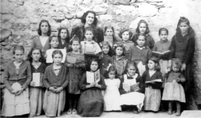 Escuela de niñas, España, años cuarenta. Foto: DP.