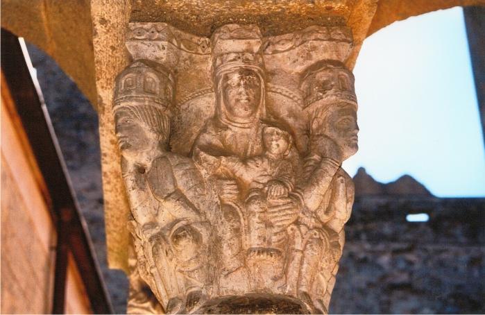 Un capitel en Sant Pere de Rodes.