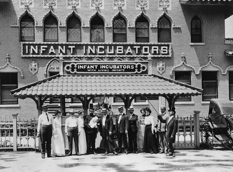 Employees stand before the Infant Incubators building at the 1901 Pan-American Exposition in Buffalo, New York. (Library of Congress)