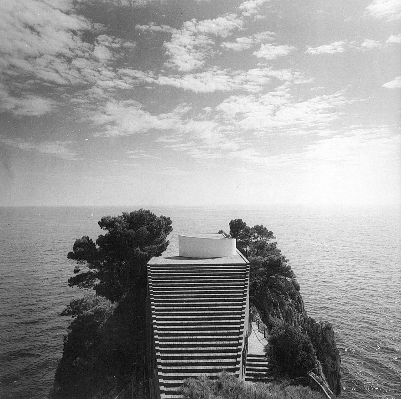 Portada-Primera foto Casa Malaparte. Gabrielle Basilico, 1982