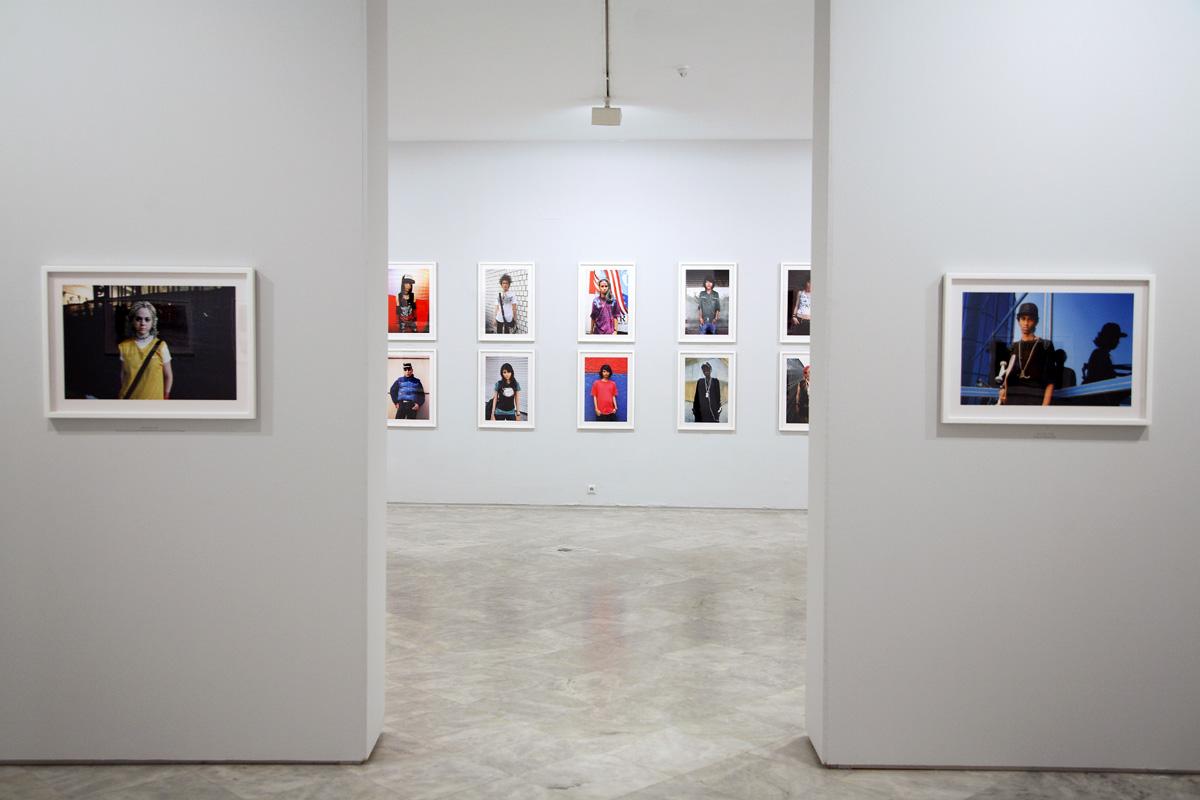 "Exposición ""Miguel Trillo. Identidades"". Centro Andaluz de Arte Contemporáneo (CAAC). Sevilla abril-julio 2009."
