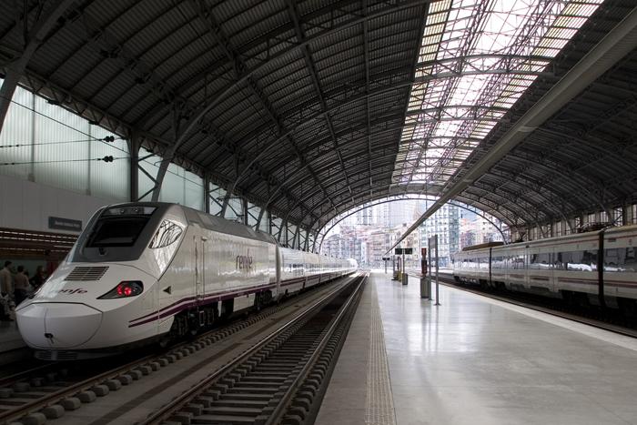 Estación de Abando (Bilbao). Foto: Roberto Latxaga (CC)