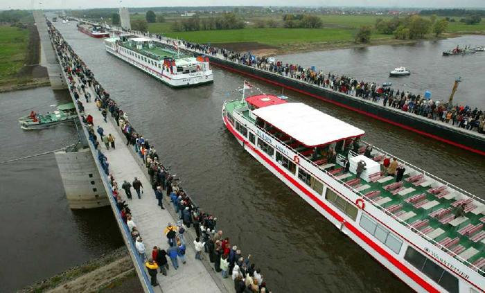 Puente en el canal de Magdeburgo. Foto: WhiteDragon (CC)