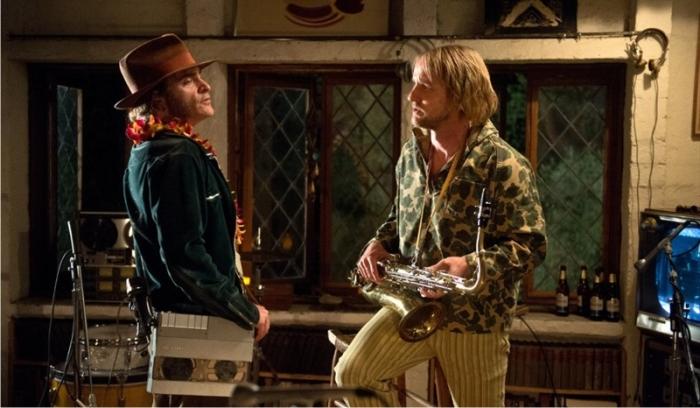 Escena de Inherent Vice. Imagen: Warner Bros. Pictures.