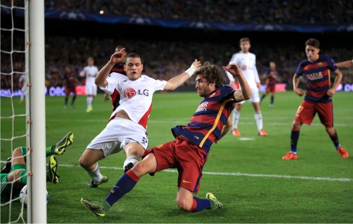 Sergi Roberto marca frente al Bayern Leverkusen. Foto: Cordon Press.