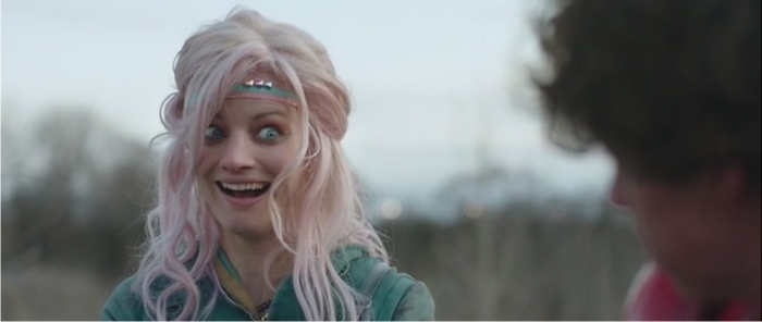 —But you can totally be Turbo Kid, HA! Apple, es imposible no quererla.