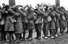 Soldados británicos cegados por gases en la Primera Guerra Mundial. Foto: DP.