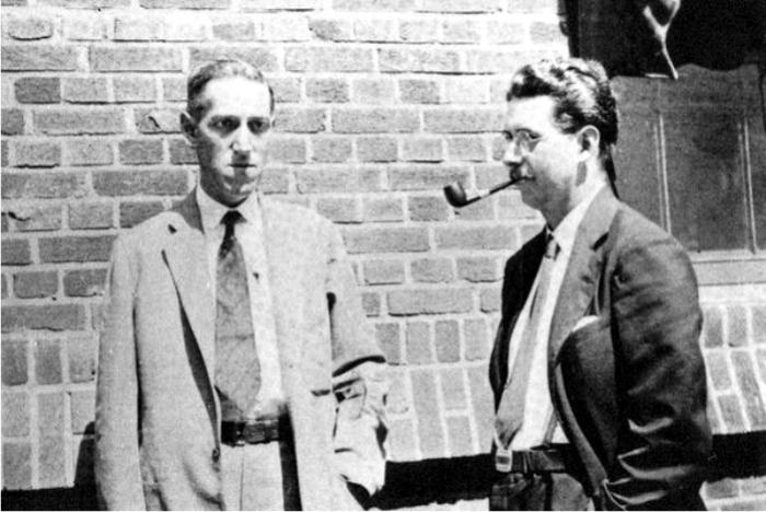 Lovecraft con Frank Belknap Long, uno de los escritores de su círculo. Foto: DP.