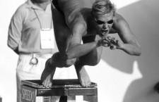 Denis PANKRATOV, nadador de Rusia, componente de la selección nacional, en el aire. Campeonato Europa / Sevilla 97. Sevilla, España. 24-08-1997.   Denis PANKRATOV, swimmer from Russia, national team member, in the air. Europe Championship / Sevilla 97. Sevilla, Spain. 24-08-1997.