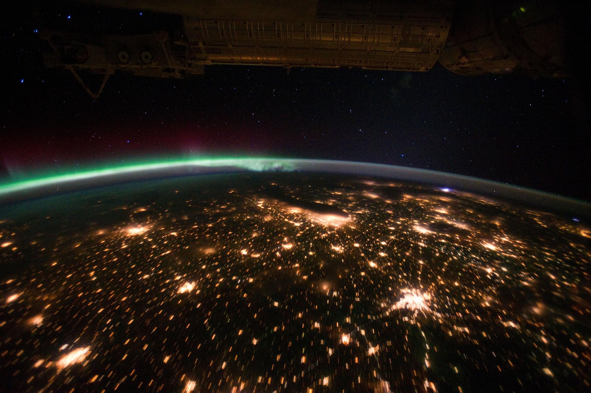 Vista nocturna del Medio Oeste de los Estados Unidos desde la Estación Espacial Internacional. Fotografía: NASA (CC).