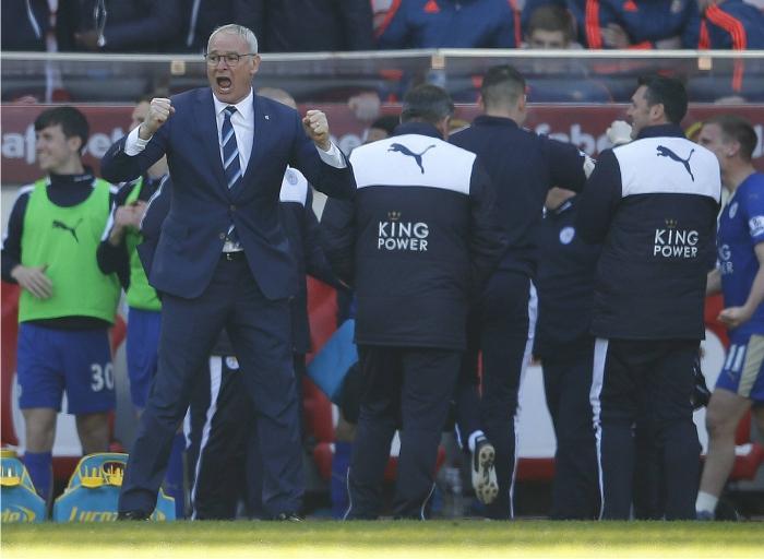Claudio Ranieri en el banquillo del Leicester. Foto: Cordon Press.